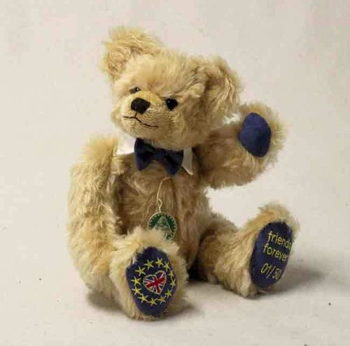 Brexit 121389 Teddy friends for ever 121389 v. Hermann Coburg